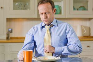 Надорвал желудок рвотой симптомы
